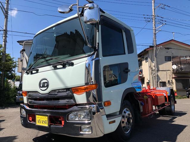 UDトラックス 3.65t積アームロール新明和ツインホイスト 4.67Lディーゼルターボ 6速MT ベッド付き車両 AAC .ETC. カラーBカメラ クルーズコントロール メッキバンパー グリル 車両総重量7.970キロ