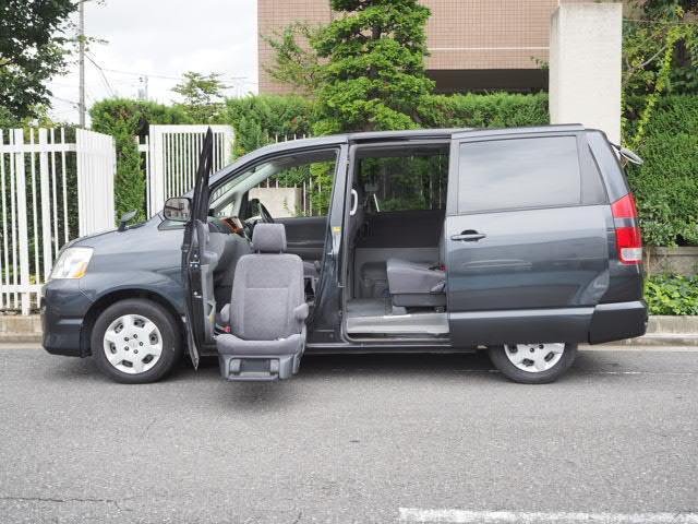 トヨタ 福祉車両 助手席サイドアップシート 両側Pスライド8人乗り