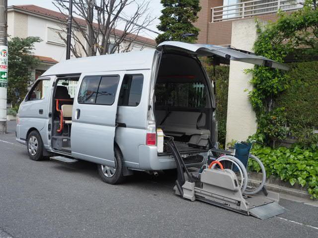 日産 福祉車両チェアキャブMタイプ車イス2台固定 10人 事業用可