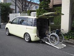 シエンタ福祉車両 リヤースロープ 車いす1名他5名乗車 ナビ TV付