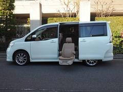 セレナ福祉車両 2列目全自動サイドアップシートリモコン付 7人乗り