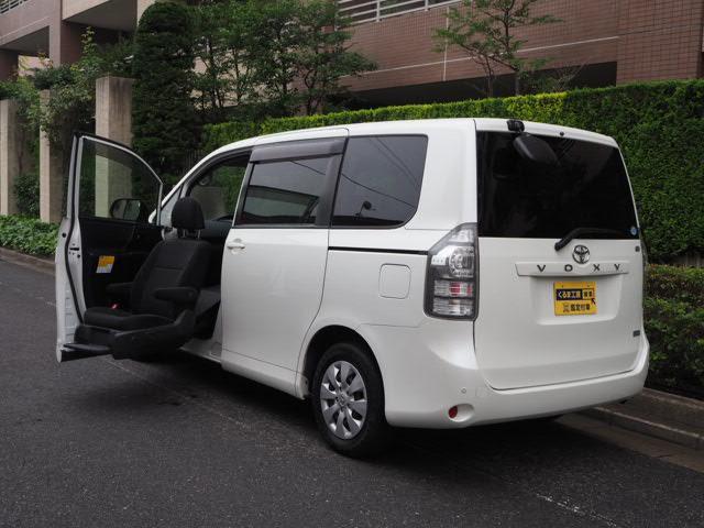 トヨタ 福祉車両 助手席全自動サイドアップ リモコン付 8人乗り