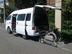 キャラバンバス福祉車両 リヤーリフト 車椅子1名他+9名 Cタイプ