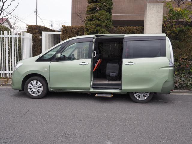 日産 福祉車両 スタッフ応援パック オートステップ付 大型手すり