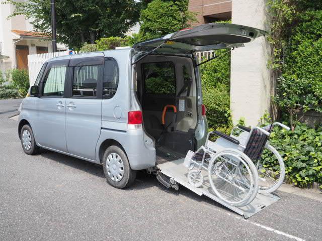 ダイハツ タント 福祉車両 リヤースロープ 8ナンバー車椅子移動...