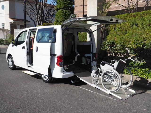 日産 福祉車両 チェアキャブ 車いす1名仕様 専用サードシート有