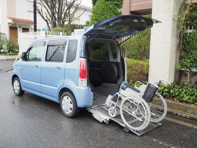 スズキ 福祉車両 車椅子移動車 リアシート付 リヤスロープ