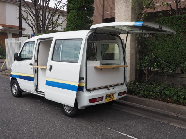 日産 NV100クリッパーバン  キッチンカー 移動販売車 シンク2個口付き 給水ポンプ付き カウンター2個付き