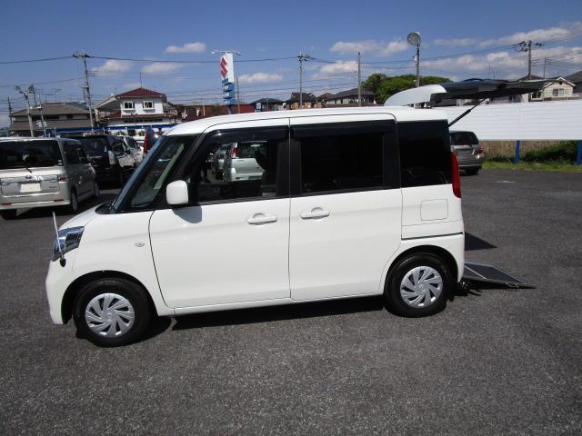 マツダ XE 福祉車両車 スローパー式車いす移動車 リヤシート付車