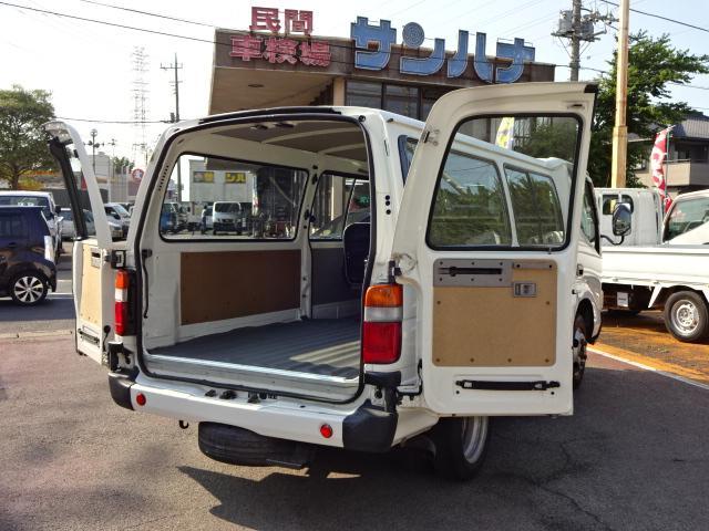 トヨタ 2t積載 リヤ観音ドア 4.0Dターボ 5F 3/6人乗り