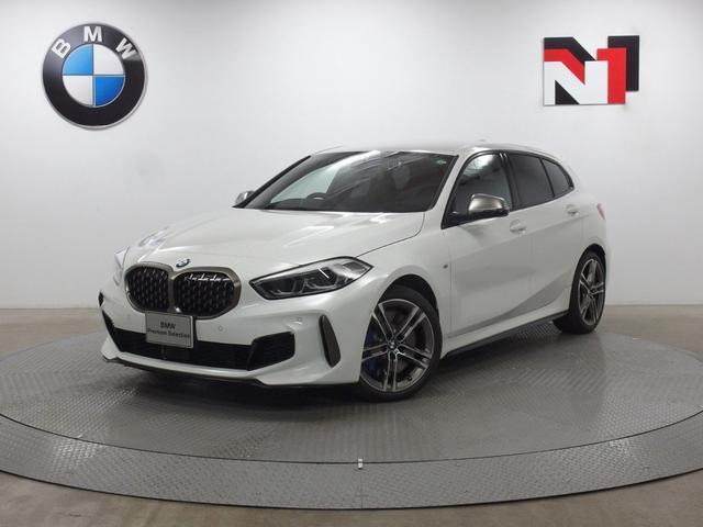 BMW M135i xDrive 18インチAW アクティブクルーズコントロール パドルシフト Rカメラ FRセンサー LED 衝突軽減 車線逸脱 USB デュアルエキゾーストテールパイプ