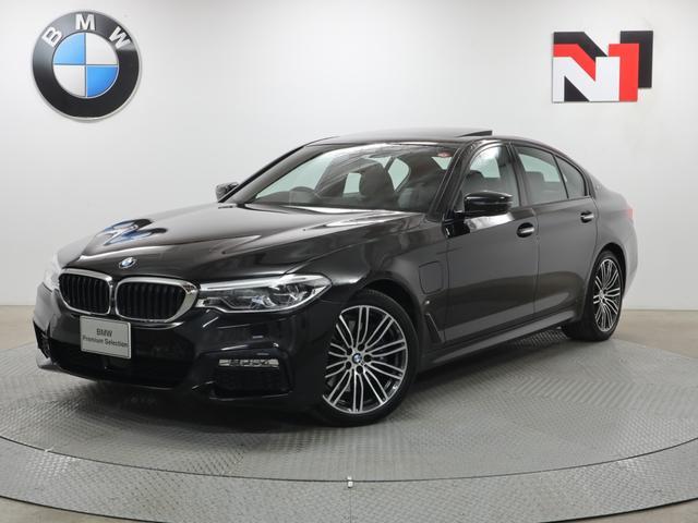 BMW 5シリーズ 530e Mスポーツ 19インチAW セレクトパッケージ 電動ガラスサンルーフ アクティブクルーズコントロール 全周囲カメラ FRセンサー アダプティブLED 衝突軽減 車線逸脱 リヤシートヒーター