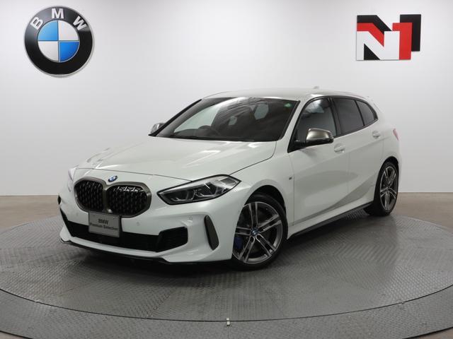 BMW 1シリーズ M135i xDrive 18インチAW デビューパッケージ アクティブクルーズコントロール パドルシフト LED Rカメラ FRセンサー 衝突軽減 車線逸脱 USB ストレージパッケージ