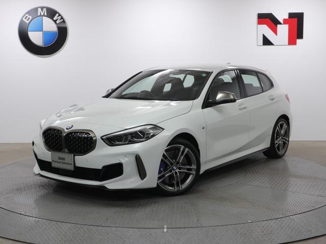 BMW M135i xDrive 18AW デビューパッケージ ストレージパッケージ アクティブクルーズコントロール 衝突軽減 車線逸脱 パドルシフト Rカメラ FRセンサー LED USB フロントシートヒーター 電動リヤゲート