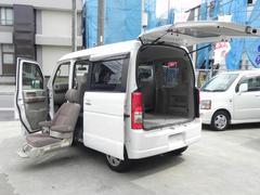 エブリイワゴン福祉車両 セカンド電動リフトUPシート 収納クレーン付
