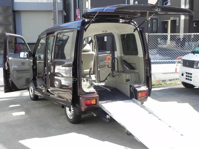 スバル  ターボ 走行約12000km スローパー リア補助席付4人乗り福祉車両 電動ウインチ 固定ベルト リアヒーター 折り畳み式補助席 リモコンキー ウインチリモコン付 格納ミラー