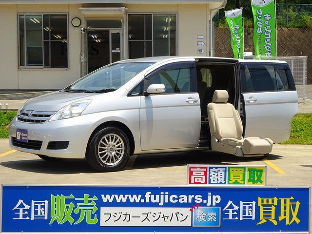トヨタ 福祉車両ウェルキャブ セカンドリフト 6人 ナビ ETC
