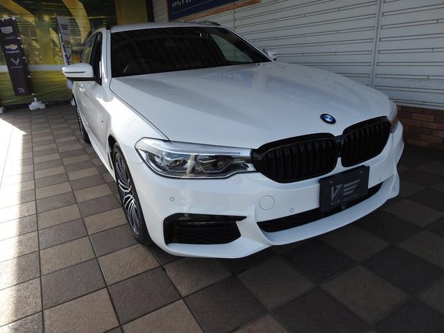 BMW 5シリーズ 530iツーリング Mスポーツ 黒革シートグレーパイピング F&Rシートヒーター 純正ナビTV アラウンドビューカメラ アンビエントライト アドバンスケアーアイ