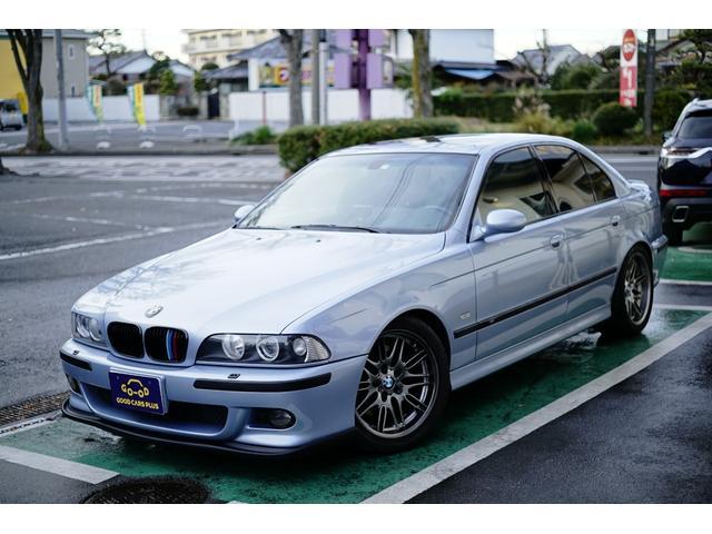 BMW M5 サンルーフ 黒レザー 左HD 禁煙 外サス マフラー