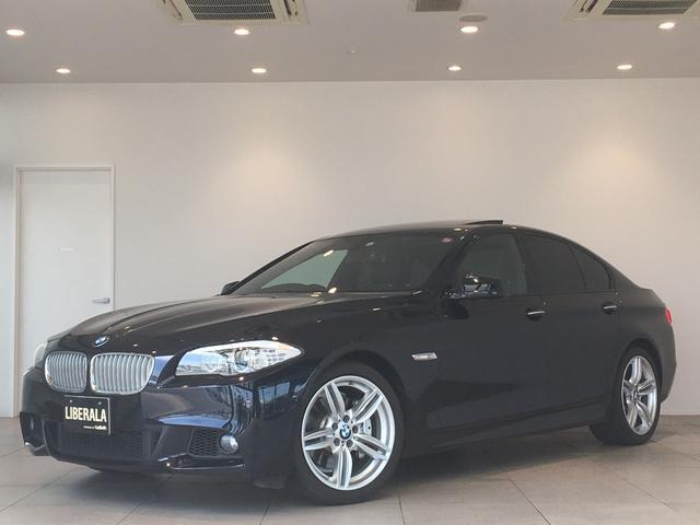 BMW 5シリーズ アクティブハイブリッド5 Mスポーツパッケージ サンルーフ 黒レザーシート バックカメラ  コンフォートアクセス ターボ クルーズコントロール パドルシフト パワーシート  純正アルミホイール コーナーセンサー オートライト