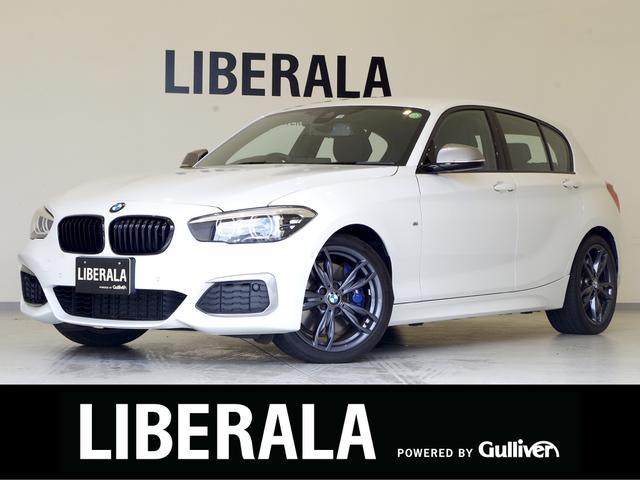 BMW 1シリーズ M140i エディションシャドー パーキングサポートPKG 黒革シート 衝突軽減B レーンDW 純正ナビ Bカメラ パワーシート/ヒーター パーキングアシスト コンフォートアクセス ブラックキドニーグリル ドラレコ LEDライト