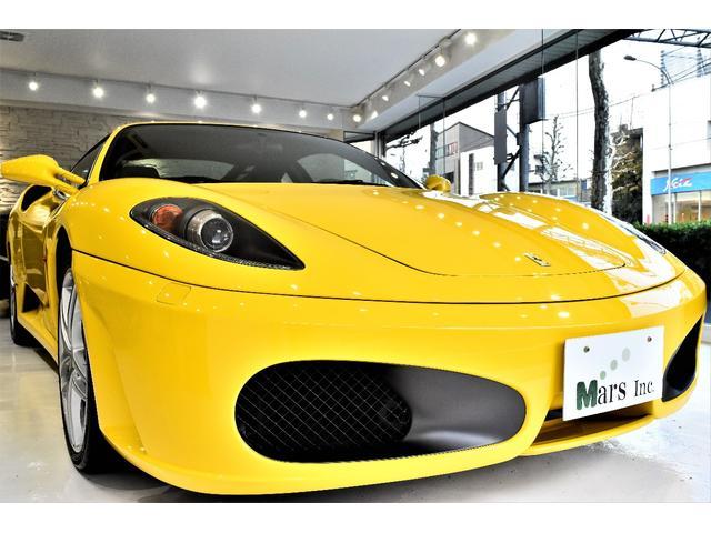 フェラーリ F1 黒革オールレザー カーボンパネル 黄色キャリパー