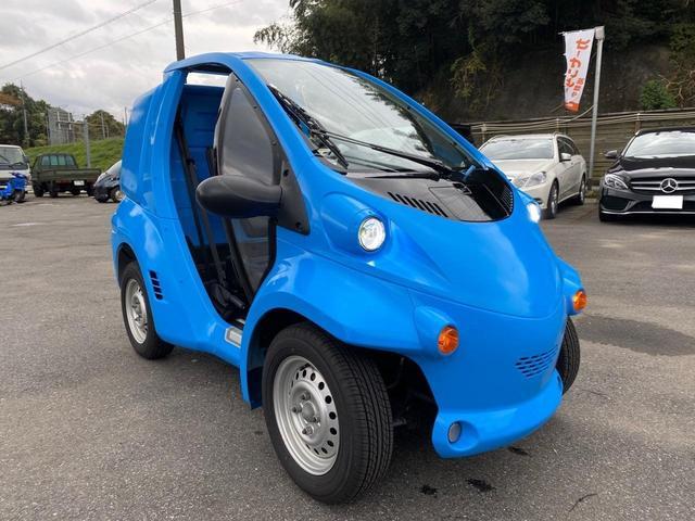 トヨタ トヨタ コムス B.COM スカイブルーオールペン 自動車免許で運転できます。家庭用100Vで充電できます。ちょっとした買い物に便利です。車検ないので自賠責と電気代のみの維持費ですので、経済的にも優しいです。