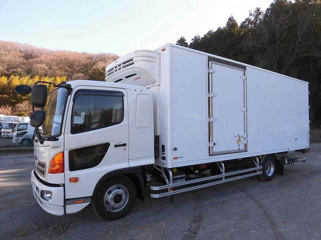 日野 4tワイド 冷蔵冷凍車 低温 格納ゲート ベッド付 エアサス