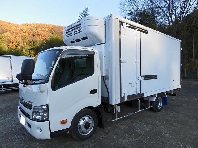 日野 小型3tワイド冷蔵冷凍車 サイドドア 全低床 2室