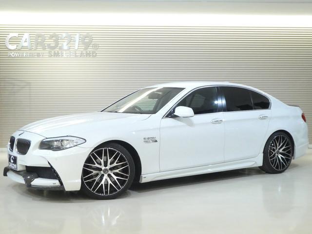 BMW 528iエナジーコンプリート黒革20AWローダウン