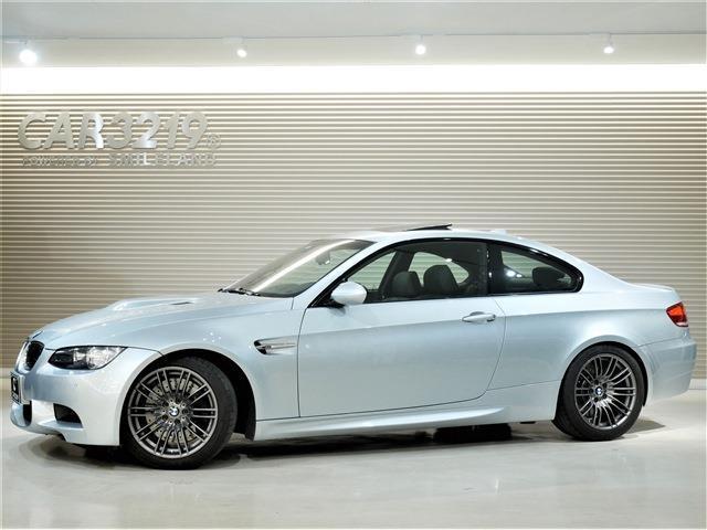 BMW M3 M3クーペ 6速MT 後期 黒革 サンルーフ 6速MT 後期 黒革 サンルーフ 18インチAW・専用カラー「シルバーストーンII」 黒革シート