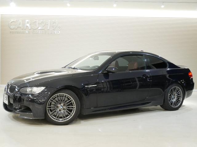BMW M3クーペ 赤革・カーボンルーフ・カーボンスポイラー・カーボンリアスポイラー・Mドライブ・ドラレコ・レーダー