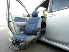 シエンタG ウェルキャブ リモコン付助手席リフトアップシート 4WD