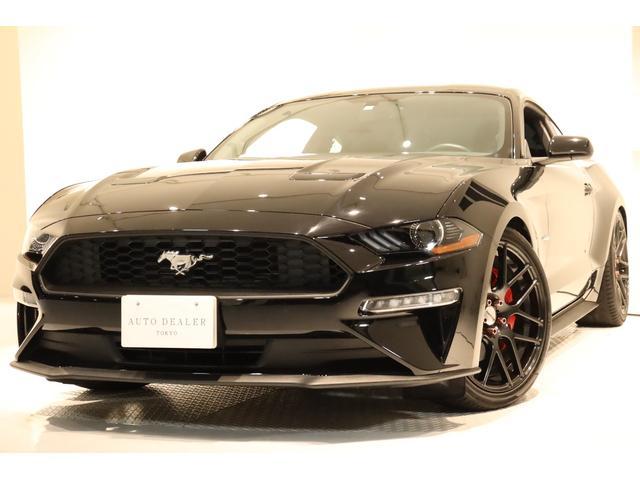 フォード マスタング  6速MT 社外リアスポイラー AW20インチ Z.S.S車高調 社外LEDテール 対向4POTキャリパー ビックローター 純正のホイール&タイヤ(ノーマル)・ブレーキパット