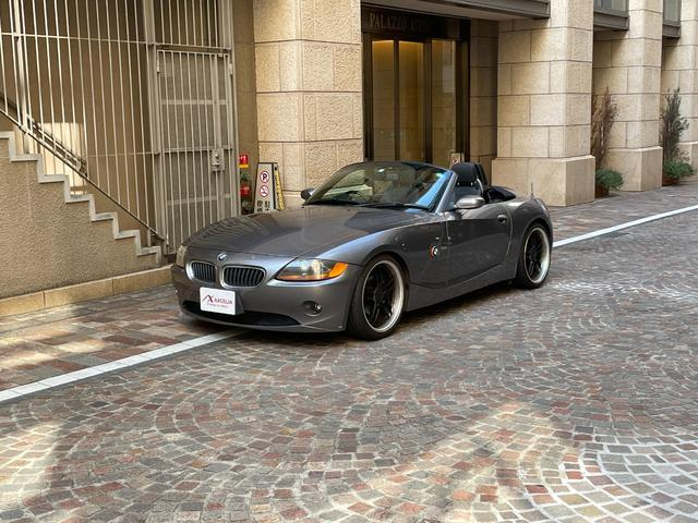 BMW Z4 2.2i 保証6カ月付・社外19インチアルミホイール・ポータブルナビ・ETC・オープンカー