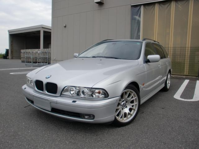 Photo of BMW 5 SERIES 528i TOURING / used BMW
