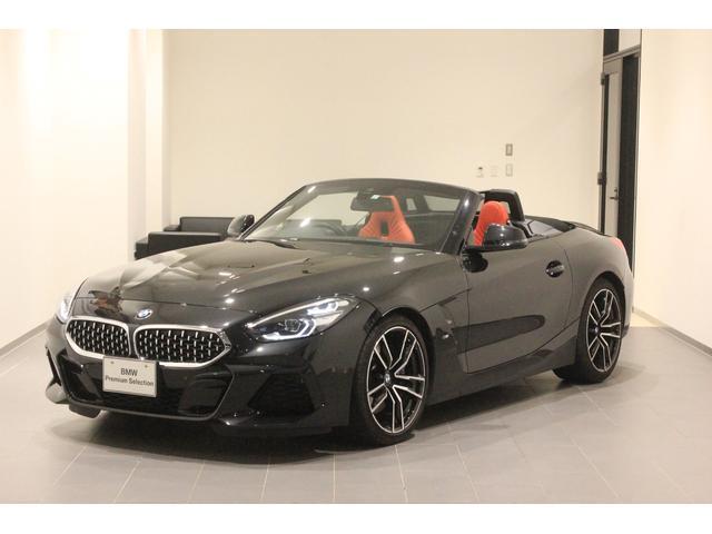 BMW sDrive20i Mスポーツ ファストトラックパッケージ Mブレーキ ハーマンカードン レッドレザーシート デモカー アクティブクルーズコントロール