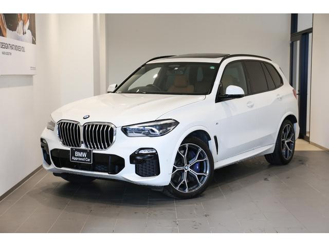 BMW X5 xDrive35d Mスポーツ ドライビングダイナミクPKG 21インチホイール サンルーフ ブラウンレザーシート ドライビングアシスト トップビュー 全方位センサー エアサスペンション レーンアシスト パドルシフト ヘッドアップディスプレイ ワンオーナー禁煙