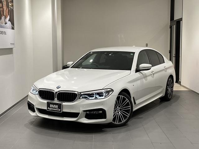 BMW 523i Mスポーツ ワンオーナー 禁煙車 ブラックレザースポーツシート 全席シートヒーター ウッドトリム パドルシフト 全方位センサー トップビューカメラ フルセグTV/Bluetooth/USB
