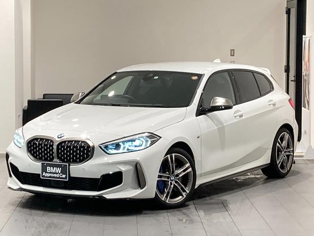 BMW M135i xDrive Mブレーキ 弊社下取車両 禁煙車 前車追従機能 18インチAW 衝突被害軽減ブレーキ 電動リアゲート バックカメラ パーキングアシスト LEDヘッドライト シートヒーター Bluetooth/USB