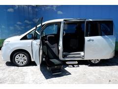 セレナ助手席リフトアップシート 電動ステップ付デイサービス送迎可能