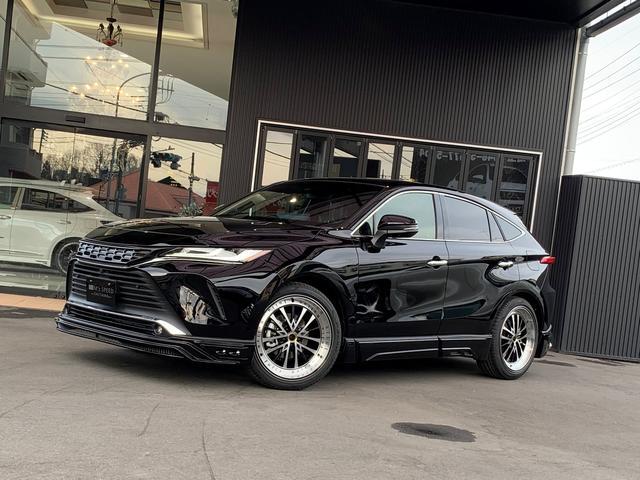 トヨタ ハリアー Z レザーパッケージ ZEUSコンプリートカー 21AW 車高調 4本出しマフラー フロントグリル リアゲートスポイラー 12.3型T-Connectナビ 調光パノラマルーフ デジタルインナーミラー 全方位モニター