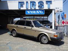 ボルボ 240クラシック ボルボ社創立65周年記念限定車 100台限定車
