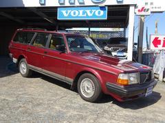 ボルボ240クラシックワゴン ボルボ社65周年記念200台限定車