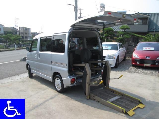 三菱 福祉車両 リフトタイプ 電動固定装置 4AT 社外ナビ付