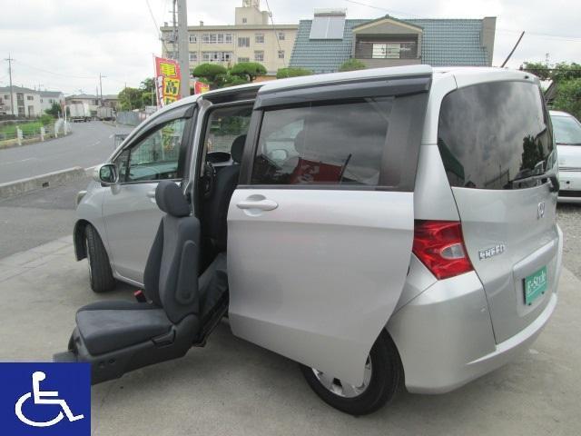 ホンダ X 福祉車両 左後席電動スライドアップシート ナビ Bカメラ