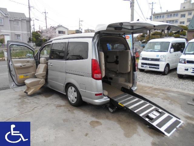 日産 セレナ 福祉車両 ニールダウン スローパー 助手席電動回転シート付