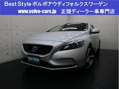 ボルボ V40D4 SEディーゼルT 黒革 HDD 1オナ 2016モデル