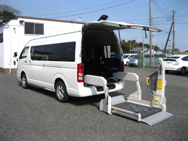 トヨタ 福祉車両 Dタイプ 5人・4基リアリフト仕様 4WD