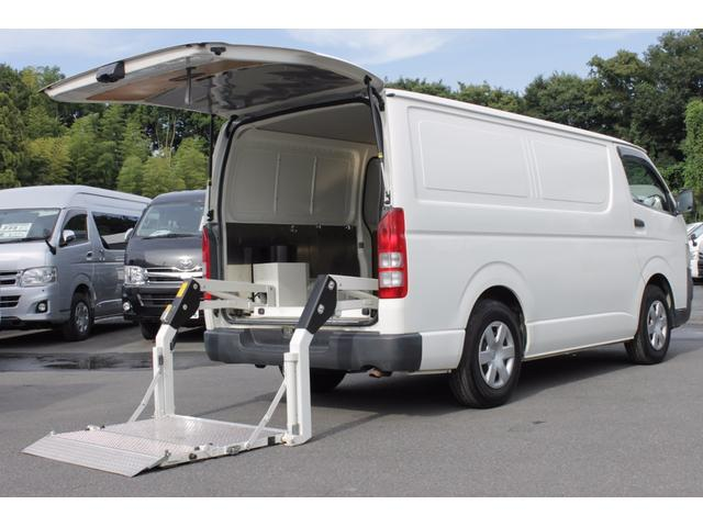 トヨタ 2.0DXロング ナビTV トヨタ車体300kg対応リフト付